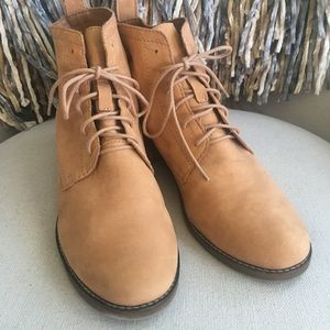 EUC Lucky Brand Tan Lace Up Ankle Booties 9